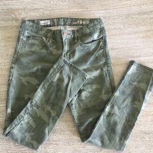 Gap camo jeans sz 26